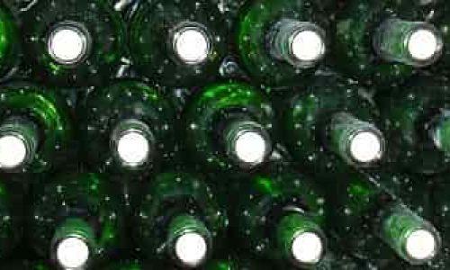 Tre vinskap med plass til over 150 flasker